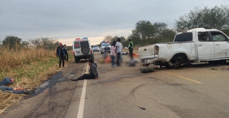 Accidente de tránsito deja 4 muertos y 3 heridos en carretera a San José    EL DEBER